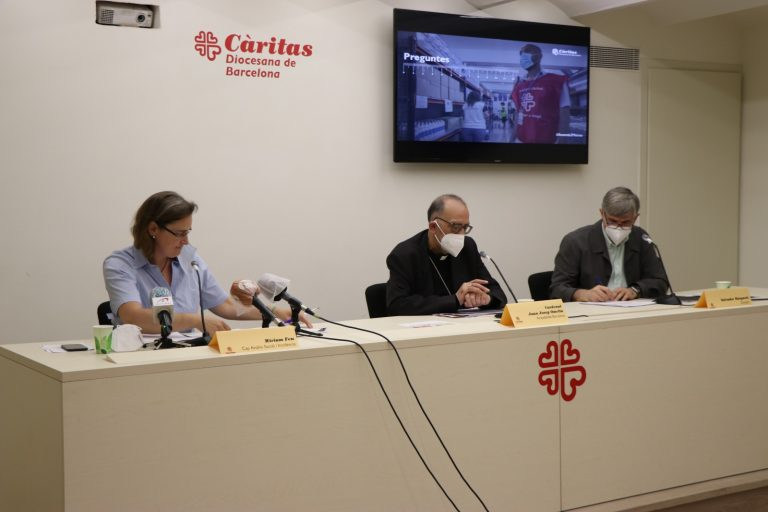 Rueda de prensa en Cáritas Barcelona